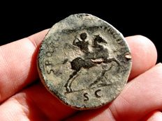 Roman Empire - Trajan (98 - 117 A.D.), bronze sestertius (27,05 g. 36 mm.) minted in Rome, 108 - 111 A.D. SPQR OPTIMO PRINCIPI. Trajan riding horse.