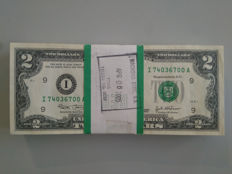 USA - 100 x 2 dollars 2005 - original currency strap