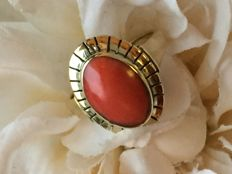 Antique gold ring Precious Coral / size 17 / 4.88 g