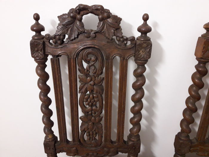 Two antique chairs carved with Renaissance-panels - With ornaments of  screws and twisted rods - 19th century - Italy - Two Antique Chairs Carved With Renaissance-panels - With Ornaments