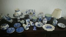 Collection of 23 Delft blue objects