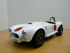 "Ford Shelby Cobra 427 s/c ""Spinout"" 1965  ""Elvis presley"" 1:18"