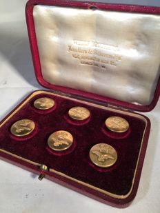 Set of Royal Air Force buttons, in original box