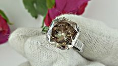 5.42 ct radiant diamond ring made of 14 kt white gold - size 5,5