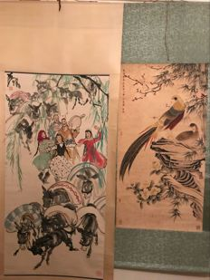 Hand painted scroll painting, made after Huang Zhou《黄胄》and one printed reproduction scroll of old painting - china - late 20th century