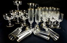 Gorgeous and antique set of 25 pieces made of cut crystal in spiral with monograms P.F. engraved in gold - Saint Denis, France - circa 1880