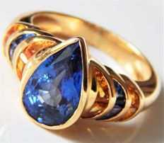 Ring with sapphire 3.81 ct, DSEF certificate