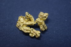 Fine Colombian Gold Nugget - 1,0x0,8x0,3 cm - 0,8 gm