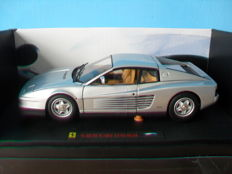 Hot Wheels Elite - Scale 1/18 - Ferrari Testarossa - Silver