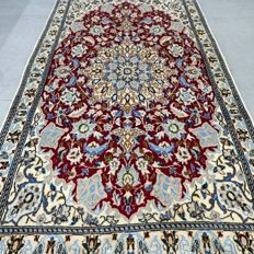 Magnificent Nain with silk, Persian carpet - 140 x 78 - very good condition and clean - UNIQUE OPPORTUNITY - GREAT carpet