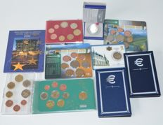 Europe - Coin sets and 2 Euro coins various (10 pieces).
