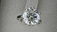 6.12 ct  round diamond ring made of 14 kt white gold - size 6