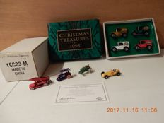 Matchbox MOY - Scale approx. 1/43-76 - lot with 8 models: 1995 Christmas Treasures YCC02-M and the 1996 The Matchbox Christmas Holiday Ornaments YCC03-M