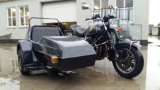 Yamaha - XS1100 with EML sidecar 2 people