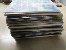 Classic Rock : Lot of 46 LP Albums including The Rolling Stones, Queen, Jimmi Hendrix, The Animals , The Kinks and More
