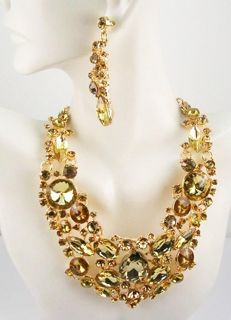 Signed JOAN RIVERS - Spectacular necklace & Earrings set with Austrian crystals