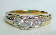 0.98 ct ring with three natural brilliant-cut diamonds - no reserve price -