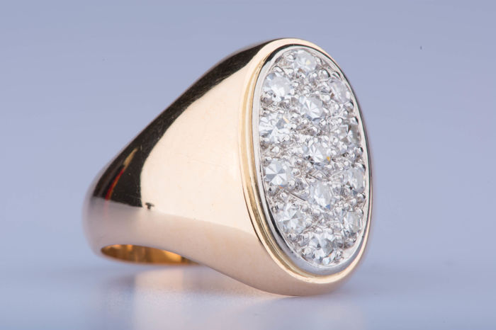 Ring in 18 kt yellow gold, 13 diamonds of approx. 0.39 ct in total