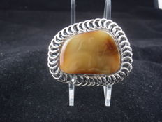Vintage Sterling Silver Brooch with Baltic Amber.  Brooch 44/35/9mm, amber 44/35 /9mm , total weight 14,64g