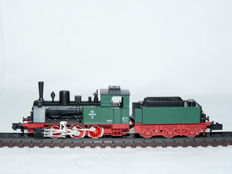 Arnold N - 2218 -Steam locomotive with tender T3 of the BLE