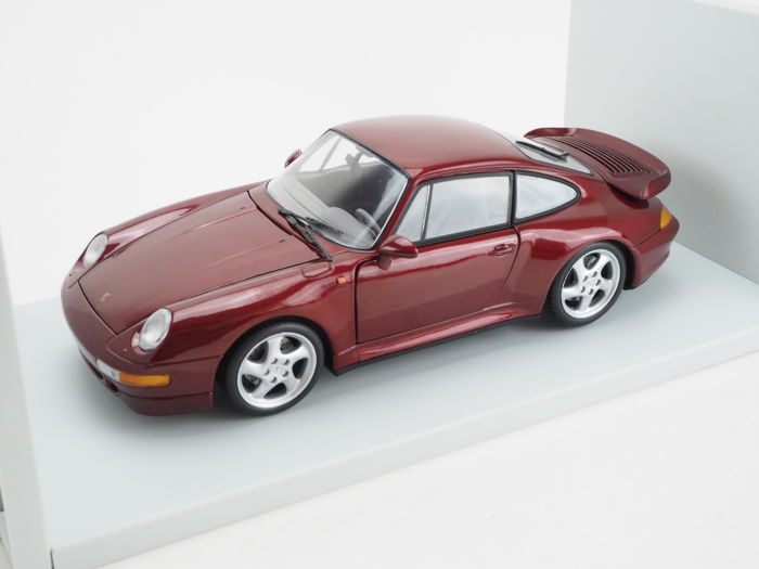 UT Models - Scale 1/18 - Porsche 911 Turbo 1997 Red met.