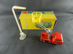 Corgi Toys - Scale 1/43 - Hydraulic Tower Wagon with Lamp Standard No.14