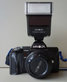 Minolta 7000 with AF Lens 50 mm F 1.4 + Flash, everything in original protection (1985)