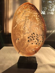 Large engraved mother of pearl shell - Indonesia - 21st century
