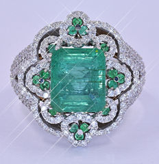 5.17 Ct Emerald and Diamonds ring NO reserve price!
