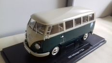 Welly - Scale 1/18 - Volkswagen T1 Microbus 1963 - Green