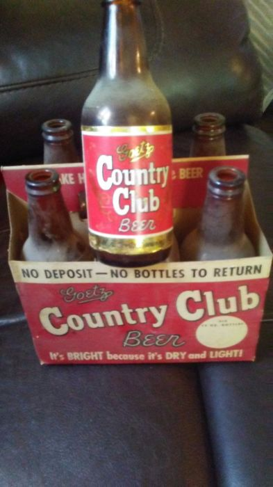Goetz country club glass bottles with carrier - 1940s\1950s
