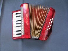 Accordion - Hohner - Mignon I children's accordion - good condition