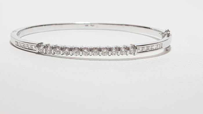 18 kt white gold bracelet with diamonds for 1.94 ct