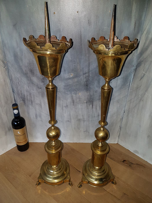 Impressive set of brass candlesticks (80 cm) - France - early 20th century