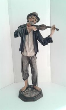 Terracotta and papier-mâché sculpture - violin player  -signed Marzia Vitale - 20th century, Italian made
