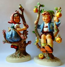 Goebel Hummel. - 141+142-V  -'Apple Tree Girl+Boy'- Arthur Moeller - Large 27/28cm.