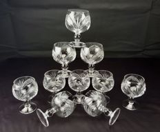 Set consisting of 12 stem glasses made of engraved and cut crystal - Saint Louis France - circa 1900