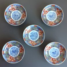 Fine set of 5 Imari side dish plates with polychrome animal, bird and floral motifs - marked with 'Fuku Choshun' - Japan - approx. 1880