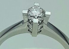 18 (750) ct White Gold Engagement Ring With A solitaire Diamond of 0.50 Ct, Ring size :17mm, *** HRD JEWELLERY CERTIFICATE ***