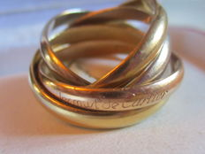 "5 band ring ""LES MUST DE CARTIER""/""Must by Cartier"" in yellow, white and rose gold - Size: 49 - hallmarked - numbered - original box"