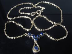 1970 gold necklace, chain, pendant with sapphire