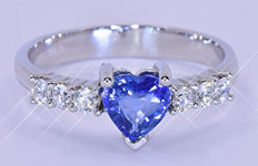 1.52 Ct Natural heart Sapphire ring - Size: 16. Inside diameter: 17.8 mm. NO reserve price!