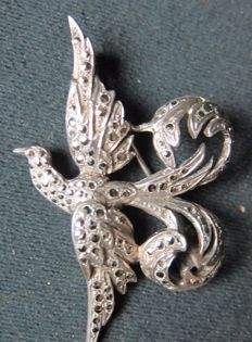 Silver brooch / pendant with marcasite, around 1920.
