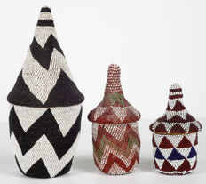 3 baskets made of raffia and glass beads - TUTSI - Rwanda