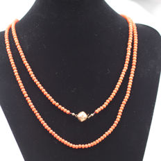 necklace genuine blood coral with 14 kt gold clasp
