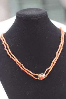 100% genuine red coral necklace with gold clasp