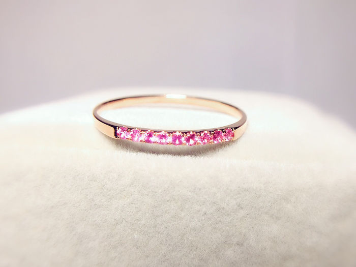 18 kt/750 Pink Gold - Delicate Stacking ring with 9 Pink Sapphires - 0.10 ct total - #53 (EU)
