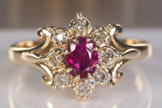 Gold - Diamonds & Ruby ring - No reserve!