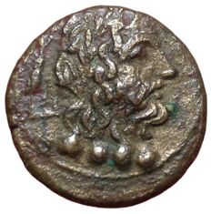 Greek Antiquity - Calabria, Brundisium c. 2nd century BC - Æ Triens (Bronze, 17mm, 4,53g.) - Head of Neptune / Dolphin rider - Rutter HN Italy 750: SNG Cop. 731