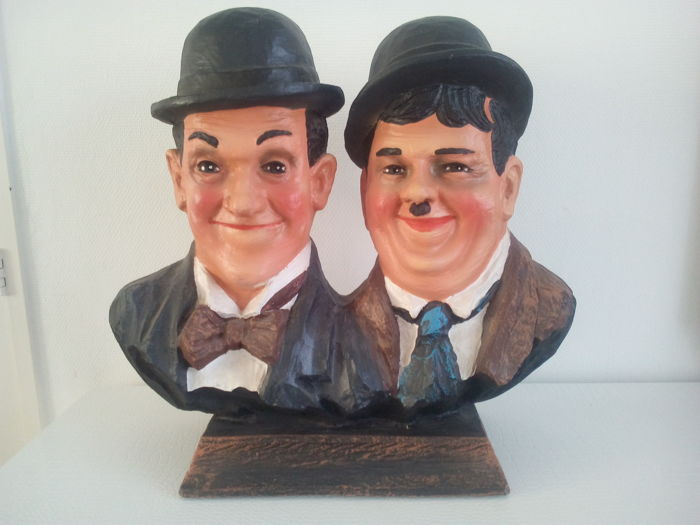 Large Hand Painted Bust Laurel And Hardy 62 Cm X 56 Cm And 12 Kilos